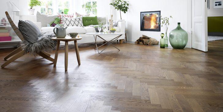 La nueva tendencia decorativa es cambiar el color del suelo de madera